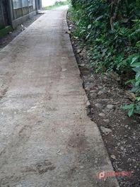 Warga Pertanyakan Kualitas Jalan Rabat Beton PPIP - http://denpost.imediamu.com/2015/02/25/warga-pertanyakan-kualitas-jalan-rabat-beton-ppip/