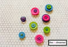 DIY Button Magnets!!! - The D.I.Y. Dreamer