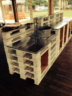 Simply Stainless Pallet Bar
