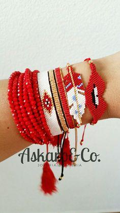 Eyes and stars - Salvabrani Seed Bead Jewelry, Boho Jewelry, Beaded Jewelry, Jewelery, Handmade Jewelry, Beaded Bracelets, Loom Bracelet Patterns, Jewelry Patterns, Hanging Beads