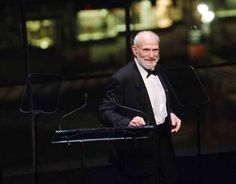 12 Beautiful And Poignant Quotes From Oliver Sacks