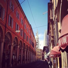 Walking the streets of Modena - Instagram by @blackdotswhitespots