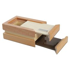 This handy and beautiful wooden kief box from Black Leaf not only stores your stash Pot Storage, Water Bongs, Wooden Containers, Stash Jars, Black Leaves, Mesh Screen, Smoking Accessories, Small Boxes, Wood Boxes