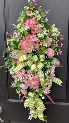Beautiful spring wreath that can be used into summer Spring Front Door Wreaths, Holiday Wreaths, Spring Wreaths, Holiday Decor, Deco Wreaths, Floral Wreaths, Pink Wreath, Mothers Day Wreath, Memorial Flowers