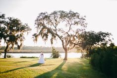 Farm to Table Weddings! Unique Wedding Ideas from Bridal Box – brought to you by StarFruit Productions – Outdoor Weddings, Wedding Trends | Bridal Box