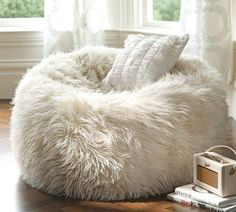 extra seating, placed in a closet Beanbags are so underrated! Easy removable slip covers, so it can be washed! http://www.fashiondivaly.com/