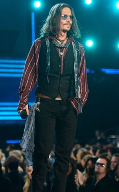 Johnny Depp's dressed-up gypsy look at the Grammys. He's got a fun style.