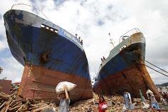 TYPHOON HAIYAN HITS THE PHILIPPINES