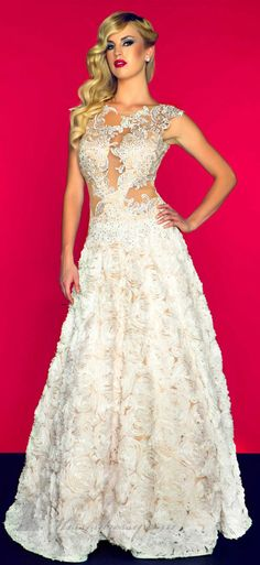 40 Amazing COUTURE DRESSES By MAC DUGGAL   #fashion www.finditforweddings.com  I love the top bottom ehhh