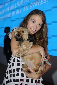 Саттон Фостер / ASPCA Young Friends Benefit - Arrivals