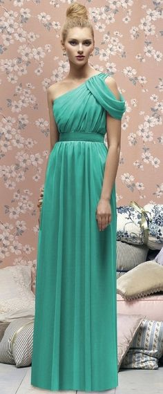 Turquoise grecian gown ... Would look fantastic with an embellished golden belt... Would definitely highlight the waist.