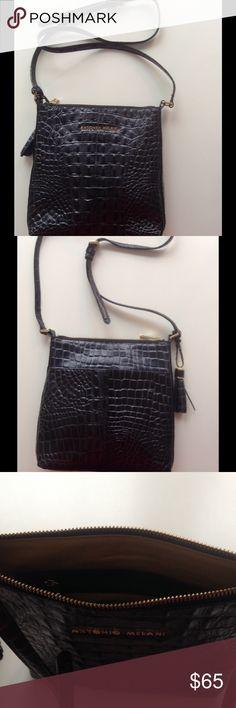 Navy Leather Crossbody Bag Antonio Milani Navy Leather Crossbody Bag. Looks like crocodile. Beautiful. Very clean. ANTONIO MELANI Bags Crossbody Bags