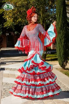 Modelo Flora www. Flamenco Dancers, Flamenco Dresses, Spanish Dress, Style Inspiration, Sleeves, How To Wear, Clothes, Beauty, Dolls