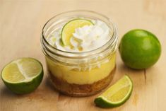 DIY Key Lime Pie-in-a-Jar Recipe. #showerdessert #weddingfood #pieinajar #keylime