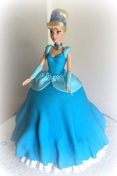 Cinderella - Cinderella Cake for a old. Cake was chocolate mudcake, with chocolate ganache and covered with fondant. The birthday girl loved her Cinderella Doll, Cinderella Birthday, Princess Birthday, Girl Birthday, Cinderella Cakes, Birthday Cake, Bolo Barbie, Dolly Varden, Disney Cakes
