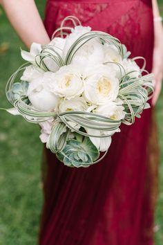 White peony bouquet: http://www.stylemepretty.com/california-weddings/del-mar-california/2015/08/14/elegant-spring-persian-wedding/ | Photography: Melanie Duerkopp - http://melanieduerkoppphotography.pixieset.com/