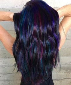 Oil Slick Hair Is the Most Gorgeous Rainbow Hair Color Trend for Brunettes Vivid Hair Color, Cool Hair Color, Vivid Colors, Oil Slick Hair Color, Rainbow Colors, Black Hair Colors, Indigo Hair Color, Purple Hair, Hair Colors