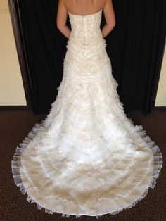 Beautiful ruffle detailing on skirt/train | Oleg Cassini 'Oleg Cassini' Size 6 New Wedding Dress - Nearly Newlywed