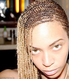 Blue Ivy Carter Walks in Beyonce's Shoes - See the Cute Pic!: Photo Beyonce's little girl Blue Ivy takes a walk in her mama's shoes in this adorable new photo shared to the singer's official website. The singer… Lemonade Braids Hairstyles, Afro Hairstyles, Black Women Hairstyles, Fancy Hairstyles, Beyonce 2013, Beyonce Memes, Blue Ivy Carter, Beyonce Braids, Curls