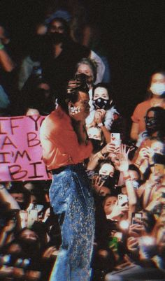Harry Styles Pictures, One Direction Pictures, Estilo Do Harry Styles, Flat Picture, Harry Styles Concert, Harry 1d, Harry Styles Wallpaper, Mr Style, Louis And Harry