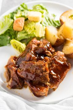 Instant Pot Country Style Ribs – These Instant Pot Country Style Ribs are so tender and flavorful! They start with a simple dry rub, are smothered in bbq sauce, and cooked up in your Instant Pot pressure cooker for a delicious and easy meal! Instant Pot Ribs Recipe, Instant Recipes, Instant Pot Pressure Cooker, Pressure Cooker Recipes, Pressure Cooking, Slow Cooker, Pressure Cooker Country Ribs Recipe, Boneless Pork Ribs, Beef Ribs