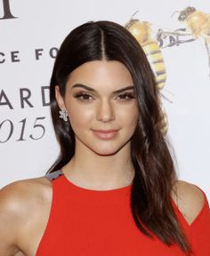 Kendall Jenner Net Worth, Annual Income, Monthly Income, Weekly Income, and Daily Income - http://www.celebfinancialwealth.com/kendall-jenner-net-worth-annual-income-monthly-income-weekly-income-and-daily-income/