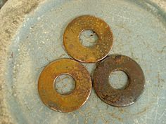 Altered Alchemy : an experiment - rusting iron (tutorial) Aging Metal, Aging Wood, Metal Crafts, Paper Crafts, Hardware Jewelry, Found Object Art, How To Make Rings, Luxury Vinyl Tile, Handmade Books