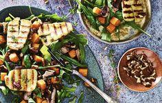 Maaltijdsalade met halloumi uit Het 20 minutes or less-kookboek Good Healthy Recipes, Lunch Recipes, Salad Recipes, Vegetarian Recipes, Healthy Food, 20 Minutes, Soup And Salad, I Love Food, Yummy Food