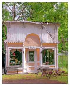 The original building was a carpentry shop, which was built in 1898 over the mill race of the Crystal River so the current could generate power. The shop was moved across the road around 1901, was painted white, and became the General Store and then later dubbed The Rural Store.