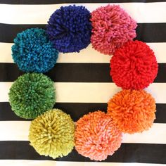 diy pompom pillow — The Pleated Poppy Diy Pillows, Cushions, Pillow Inspiration, Pom Pom Crafts, Arts And Crafts, Diy Crafts, Pretty And Cute, Home Living Room, Baby Room