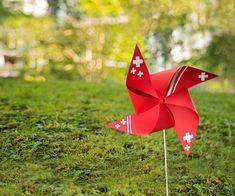Basteln Sie mit Ihren Kindern ein tolles Windrädli zum 1. August.