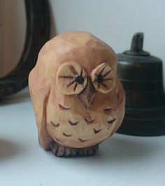 An owl, carved by Lars