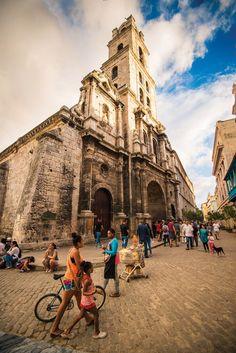Basilica San Francisco of Assisi . Havana