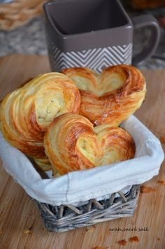 paste for pastries for puff pastries ! – (English) – Dough for puff pastries to couque ! Bread Recipes, Snack Recipes, Cooking Recipes, Snacks, French Pastries, Puff Pastries, Cooking Chef, Home Baking, Sweet Bread