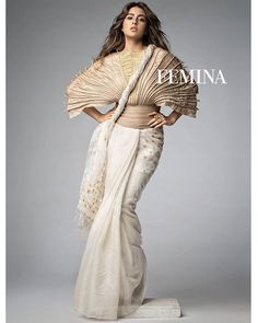 Ultra-Glamorous: Sara Ali Khan shows us how to give a fresh new character to your desi look in this saree and avant-garde top by Vaishali S. We ship worldwide! WhatsApp us 8488070070 Churidar, Anarkali, Lehenga, Saree Wearing, Modern Saree, Sara Ali Khan, Saree Look, Indian Designer Outfits, Indian Celebrities