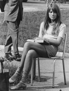 Françoise Hardy Took a similar photo of similar looking friend in Roma .s