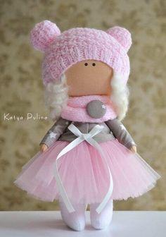ИНТЕРЬЕРНЫЕ ИГРУШКИ и КУКЛЫ РУЧНОЙ РАБОТЫ. СПб Diy Rag Dolls, Sewing Dolls, Tiny Dolls, Soft Dolls, Pretty Dolls, Cute Dolls, Knitting Blogs, Waldorf Dolls, Amigurumi Doll