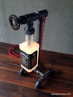 1000 id es sur le th me lampe jack daniels sur pinterest bouteille de jack daniels lampes. Black Bedroom Furniture Sets. Home Design Ideas