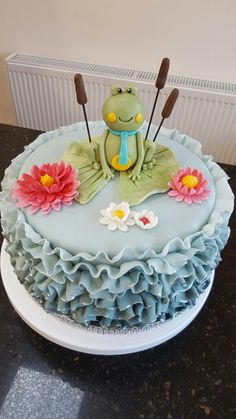 Frog lilly pad duck egg blue ruffle cake