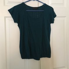 The limited top Adorable and flattering The Limited Tops Blouses