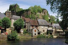 Haute Vienne, Ségur le Château Limousin, Beaux Villages, Dordogne, Aquitaine, World Traveler, Provence, Beautiful Places, Mansions, Architecture