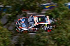 James Courtney racing at the Sydney 500 for the Holden Racing Team