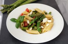 Penne mit grünen Spargel Tomaten Penne, Feta, Dairy, Cheese, Dried Tomatoes, Fresh, Easy Meals, Food Food, Recipies
