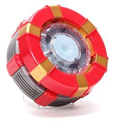 Superhero meets super science in this awesome Iron Man set. Using the mix and match power chips,  little ones build a replica of Tony Stark's Arc Reactor that lights up and makes realistic sound effects.