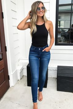 If we are talking about a vacation or a short term trip, I always put at least one of my jean outfits to my suitcase. As you know that, they are timeless Skinny Jean Outfits Body Suit Outfits, Komplette Outfits, Cute Casual Outfits, Spring Outfits, Fashion Outfits, Jeans Fashion, Womens Jeans Outfits, Casual Night Out Outfit Summer, Sexy Casual Outfits