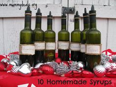These 10 Homemade Syrups are a great homemade Christmas gift.  Homemade Syrup is good for coffee or other drinks. #homemadesyrup #simplesyrup @caramelsyrup