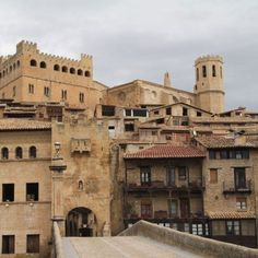 Valderrobres Spain And Portugal, Mansions, House Styles, Building, Travel, Places To Visit, Zaragoza, Ancient Architecture, Town Hall