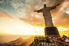 Grupo faz trilha guiada gratuita para o Cristo Redentor