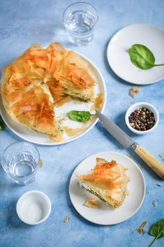 Greek Spinach Pie, Frozen Spinach, Spinach And Feta, Greek Dishes, Main Dishes, Spanakopita Recipe, Gourmet Recipes, Healthy Recipes, Food Film