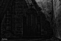 La caja de los pecados - La caja de los pecados Claustro Románico de la…